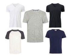 Camisetas: branca, preta, cinza-mescla. Alterne entre as de gola careca e as gola V e, se quiser, insira também o modelo com mangas raglan e algumas azul-marinho.