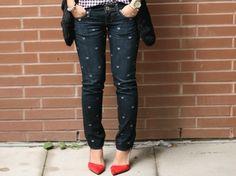 Todo mundo tem pelo menos uma calça jeans no armário né?!   Eu, por exemplo, tenho várias, adoro usar, combina com tudo...   Mas cheg...