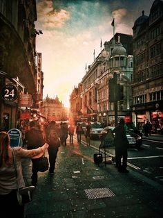 Picadilly Circus by ~Logas69