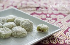 ... 😃 I finally made my own Onde-Onde, one of my most favorite Malaysian kuih (sweets/cakes). They didn't turn out round because the dough was a little too soft, but who cares ;) They taste really good! But next time I will definitely put more Palm Sugar in it. Here is the recipe: https://www.youtube.com/watch?v=LOGXNSXmoow&list=PL4i8MxGWeZ2RnetnyAj37EpGvLTQzDrd2&index=14