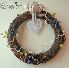 őszi kopogtató szőlőindákkal (27cm) Grapevine Wreath, Grape Vines, Wreaths, Home Decor, Decoration Home, Door Wreaths, Vineyard Vines, Deco Mesh Wreaths, Interior Design
