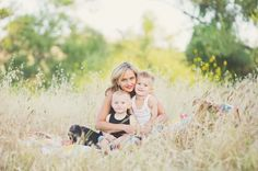 I want to do family pics this summer like this, but need to find a field I can use in Muhlenberg.