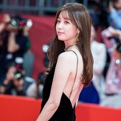 MC #hanhyojoo #한효주 @ BIFF red carpet 161006