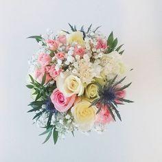 Happy Friday! #friday #happiness #flowerlovers #bouquet #rosé #pastellove #english #style #whiteinterior #thegreengallery #florist #uk #hull2017