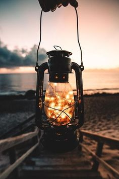 25 Ideas For Lighting Wallpaper Lanterns Pretty Pictures, Cool Photos, Jolie Photo, Wallpaper Backgrounds, Iphone Wallpapers, Nature Photography, Fairy Light Photography, Firefly Photography, Festival Photography