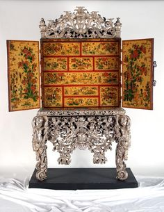 """1697 English Cabinet (shown open) at the Holburne Museum, Bath - From the curators' comments: """"Japanning is a form of painting and varnishing that was intended to imitate oriental lacquer. Most japanned cabinets of the later seventeenth and early eighteenth centuries imitated the standard form of black and gold lacquer. The Witcombe cabinet resembles more closely the type of polychrome decoration seen on Chinese porcelain."""""""