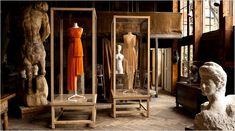 Dresses from Madame Grès on display at the Musée Bourdelle, Paris  Tuve la suerte de verla. Perfecta.