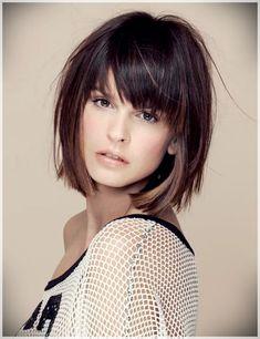 I capelli con il taglio a caschetto sono femminili e di tendenza. Esistono  numerose varianti di styling per chi sceglie i capelli con taglio… 8e61c4f020e1