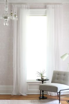 The Do's and Don'ts of Hanging Curtains