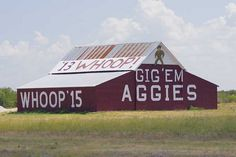 Love seeing this barn along our drive between College Station and Waco