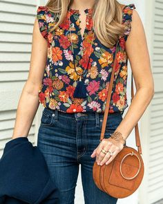 Today's Everyday Fashion: Bonus Weekend Post — J's Everyday Fashion Floral top, jeans outfit, casual style Trendy Clothes For Women, Trendy Outfits, Summer Outfits, Cute Outfits, Fashion Outfits, Womens Fashion, Fashion Trends, Petite Fashion, Trendy Clothing