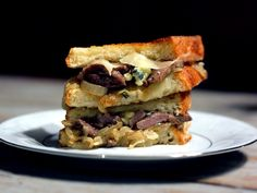 Steakhouse Grilled Cheese Sandwich with Caramelized Onions #cheese #blue #steak