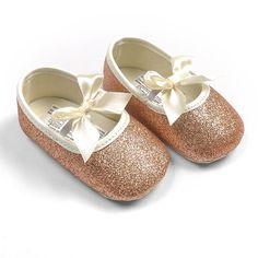 Hey, I found this really awesome Etsy listing at https://www.etsy.com/listing/398516515/gold-glitter-soft-baby-shoes-baby-shower