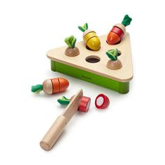Pluck Carrot Wooden Toy