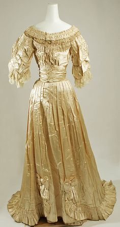 Ball gown 1905. I think this poor gown is in need of some tlc and a petticoat