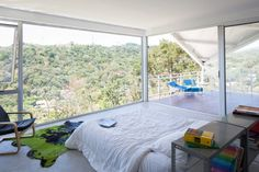 Views of El Salvador, from the Piscucha House, designed by Cincopatasalgato