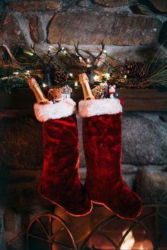 christmas mood Christmas aesthetic 30 p - Christmas Spheres, Noel Christmas, Merry Little Christmas, Winter Christmas, Christmas Stockings, Christmas Wreaths, Christmas Decorations, Christmas Love Couple, Magical Christmas