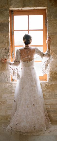 Claire Pettibone | Photo: Elizabeth Messina