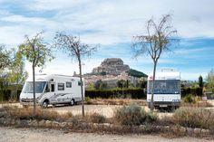 Stellplatz-Tipp Morella in Valencia: Aus welcher Richtung man auch mit dem Wohnmobil kommt, ob von der Costa del Azahar oder von Norden aus Aragon – sieht man Morella zum ersten Mal, dann glaubt man fast an eine Fata Morgana. http://www.promobil.de/stellplaetze/stellplatz-tipp-spanien-mittelalter-burg-bei-valencia-morella-6549460.html