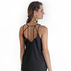 Blusa Rio - preta com o melhor preço e em até 12x sem juros. Compre agora na Superfluous.