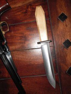 Western western kés, hagyományos kés; kézműves kés; kultikus kés; tradicionális kés, Bowie kés; traditional knife; handmade knife; outdoor knife; cultic knife; cultual knife; western knife, Bowie knife; traditionelles Messer; handgemachtes Messer; Kult Messer вестерн нож; традиционный нож; ремеслo; культ нож; нож Боуи Blacksmithing Ideas, Bowie Knives, Outdoor Knife, Tactical Knife, Handmade Knives, Fixed Blade Knife, Knives And Swords, Knifes, Handmade Crafts