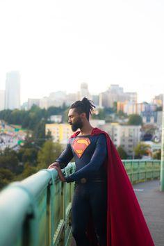 Photo by Whirltwirl Man of Steel Cosplay by Jonathan Belle Black Superman, Superman Logo, Val Zod, Superman Cosplay, Superman Movies, Clark Kent, Man Of Steel, Dc Comics, Sari