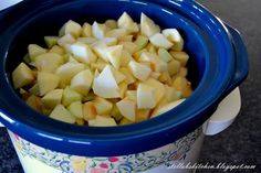Stella B's Kitchen: Apple Sauce {Slow Cooker}