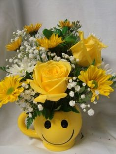 Make someone HAPPY! yellow roses and white and yellow daisies with baby's breath in Oxford, OH - OXFORD FLOWER SHOP and sorority gifts Small Flower Arrangements, Small Flowers, Wild Flowers, Yellow Daisies, Sorority Gifts, Wedding Crafts, Beautiful Gardens, Beautiful Flowers, Flower Decorations