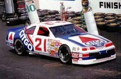 Car Pics, Car Pictures, Kyle Petty, Nascar Race Cars, Race 3, Vintage Race Car, Monster Energy, Car And Driver, Thunder