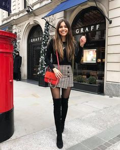 wintertime gorgeous outfits dressy for 32 32 Gorgeous Dressy Outfits For Wintertime 32 Gorgeous Dressy Outfits For Gorgeous Dressy Outfits For Wintertime Paris Outfits, Winter Fashion Outfits, Fall Winter Outfits, Look Fashion, Autumn Fashion, Fashion Women, Skirt Outfits For Winter, Dress Fashion, New York Winter Outfit