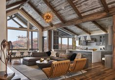 mountain homes A pair of Texans construct a contemporary cabin, their own modern mountain home, in Steamboat Springs, Colorado. Theres an exquisite waterfall in Steamboat Springs, Color Modern Mountain Home, Mountain Homes, Mountain Home Interiors, Mountain House Decor, Mountain Living, Le Colorado, Colorado Ranch, Contemporary Cabin, Contemporary Kitchens