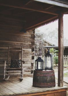 Rustic Log Cabin Porch- so far I've got the lantern and the barrel! Woodland Wedding Inspiration, Wedding Ideas, Little Cabin, Cabins And Cottages, Log Cabins, Le Far West, Cabins In The Woods, Back To Nature, Log Homes