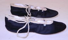 Vintage Womens Black & White Cotton Canvas Ballet Flats Lace-up Bathing Slippers Shoes These ladies ballet flats style bathing slipper swim shoes have lacing on the top and around the ankle, rounded toes and white canvas bottom soles. 1920s Bathing Suits, Fashion Flats, Vintage Shoes, White Cotton, Ballet Flats, Cotton Canvas, Vintage Ladies, Swim, Slippers