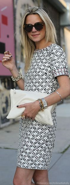 This Tory Burch dress has a definite 1960s feel.  Shoes: Joie (also here). Bag: Mark and Graham  (Atlantic-Pacific)