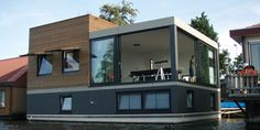 Houseboat in Amsterdam by Waterstudio
