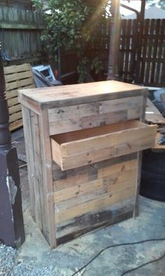 Pallet chest of drawers. Diy