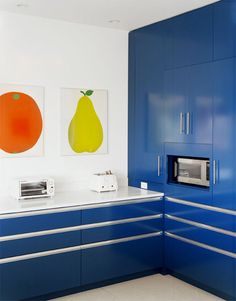 Bold kitchen colors (=)