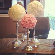 Flower poms centerpiece