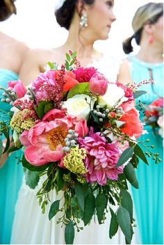 3 Ways to Find Budget Wedding Flowers and the Perfect Wedding Florist…
