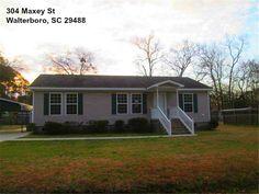 Beautiful Walterboro SC Home For Sale at an amazing price!  #WalterboroSCHomeForSale #JanetKuehn #SouthernBreezesRealEstate