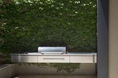 Metropolitan Courtyard ‹ Peter Fudge