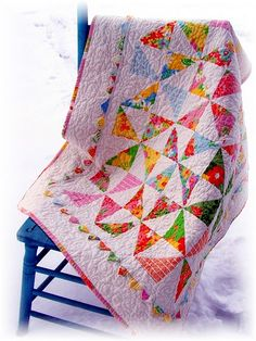 Spring on a snowy quilt ~ this would make a great baby quilt! Pinwheel Quilt, Girls Quilts, Baby Girl Quilts, Quilt Border, Quilting Projects, Quilting Ideas, Hand Quilting, Quilt Patterns, Quilting Room