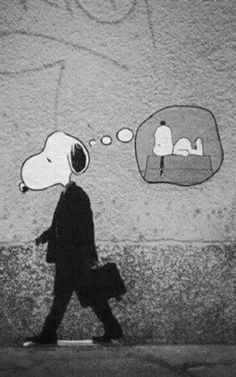 Snoopy by Banksy Amazing Street Art, Amazing Art, Awesome, Arte Popular, Art Moderne, Art Graphique, Street Art Graffiti, Graffiti Artists, Public Art