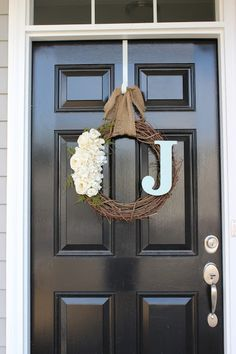 DIY Wreath. Simple and Stylish