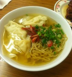 Wonton Saimin from Palace Saimin