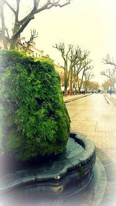A fountain in Aix-en-Provence around Christmas Aix En Provence, Fountain, River, Christmas, Pictures, Outdoor, Xmas, Photos, Outdoors