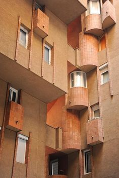 Immeuble d'habitation Walden 7 architect: Ricardo Bofill  1970