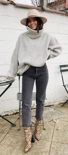 winter outfits cold \ winter outfits _ winter outfits cold _ winter outfits casual _ winter outfits for work _ winter outfits for school _ winter outfits dressy _ winter outfits for going out _ winter outfits men Winter Outfits 2019, Casual Winter Outfits, Winter Fashion Outfits, Look Fashion, Autumn Winter Fashion, Winter Style, Fashion Clothes, Black Jeans Outfit Winter, Winter Chic