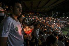 Veja imagens da histórica homenagem dos colombianos à Chape | Futebol | Gazeta do Povo