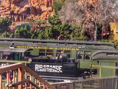 Mas bah tchê! Olha só o que a gente encontrou na Califórnia! Um trem pro Rio Grande do Sul  #malasepanelas #knottsberryfarm #riogrande #california #viagem #bairrista
